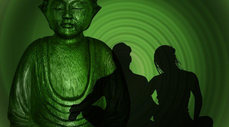 Bild mit meditierendem Paar