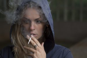 rauchfrau_pixabay_02