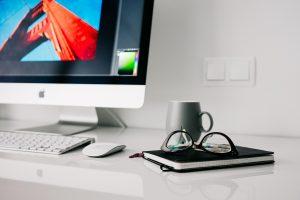desktop-arbeit-liegenlassen-pb